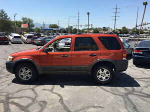 2006 Ford Escape XLT SUV - LOW KMS