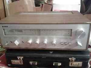 Yamaha natural sound stereo receiver model CR-400