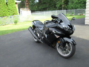 2008 Kawasaki zx14 mint condition with only 10200km.