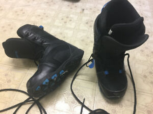 Snowboard boots - size US 5