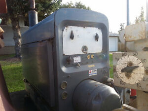1998 RED D ARC 300 amp welder, Diesel $2,100 obo /TRADES