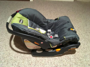 Must see: Chicco baby carseat with stroller