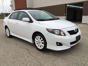 2009 Toyota Corolla Sport - 5spd - sunroof - Safetied - finance!
