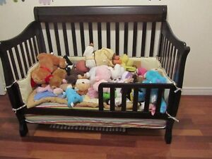 Wood Crib that converts to day bed with brand new mattress Cambridge Kitchener Area image 3