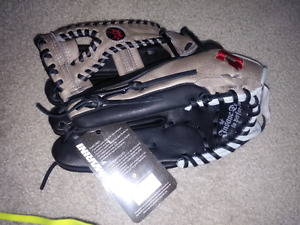 Demarini Baseball/ softball glove RIGHT HAND CATCH