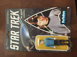 DR MCCOY. COLLECTABLE FIGURE