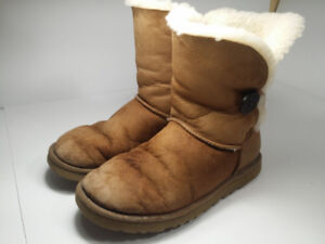 *UGGS - bottes femme taille 8 ou 39*