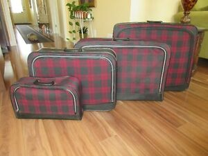 Suitcases/Display Cases/End Table