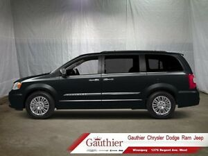 2014 Chrysler Town  Country Touring-L  - Back-Up Camera