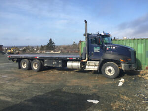 2014 CAT CT660 Flat Deck With Full NRC Tow Package **LOW KMS**