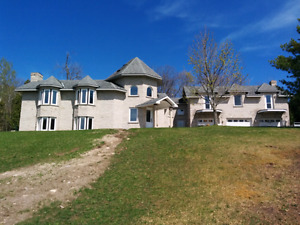 COBOURG-6 ACRES ON EDGE OF TOWN WITH 2 BEDRM IN-LAW/NANNY SUITE