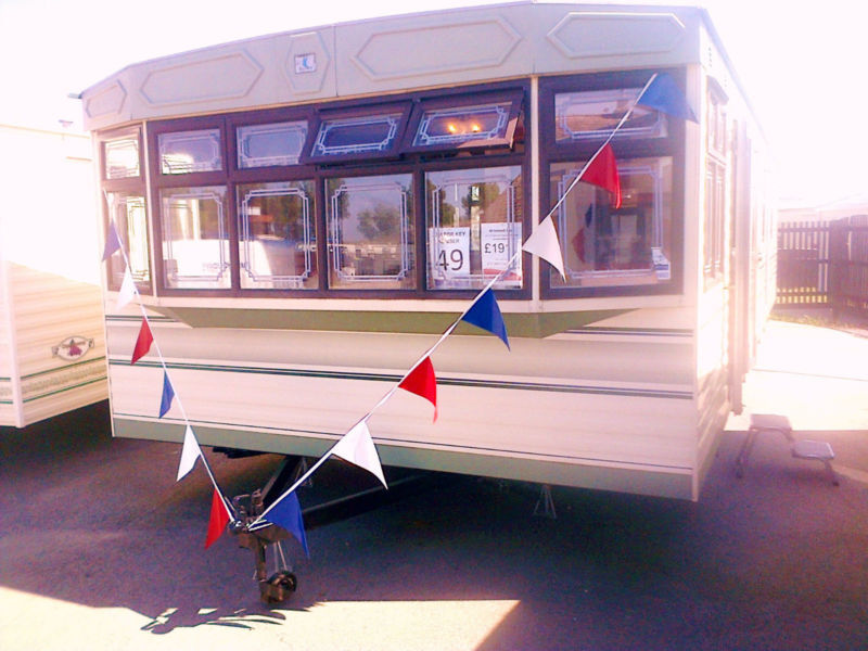 Creative UK Private Static Caravan Holiday Hire At New Beach Dymchurch Kent
