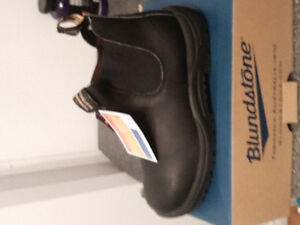 Brand new blundstone work boots size 9.5