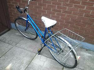 Vagabond, Vintage, 1975, Ladies Bike, Grocery basket