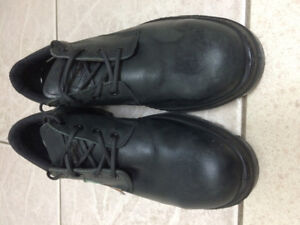 Mens size 8 Oxford Style Safety Shoes