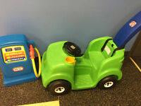 step 2 push and ride car and gas pump
