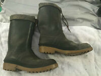 Two sets of Baffin rubber boots with thermal liners