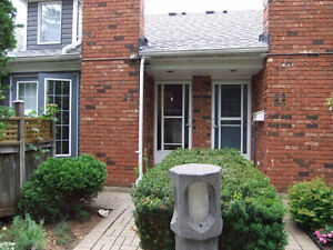 Bungalow Townhouse for Rent