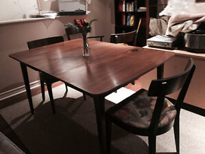 Expandable Dining table & chairs St. John's Newfoundland image 4