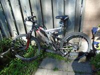 ***** 24 Speed Schwinn Mountain Bike ****