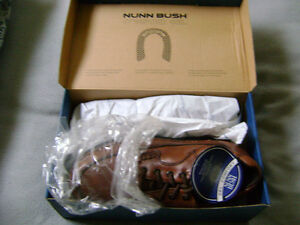 BROWN CAMERON SHOES 9 1/2W