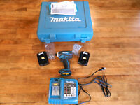 Brand New 2 Makita battery packs, charger & Impact Driver w/case
