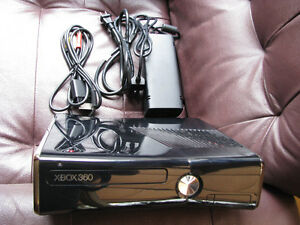 Microsoft 87429P Xbox 360 Console  / like new / reduced