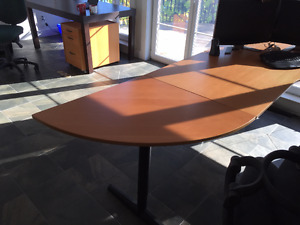 Beautiful and large office desk with two matching storage units