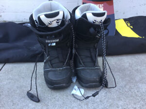 SNOWBOARDING BOOTS size 9.5 mens