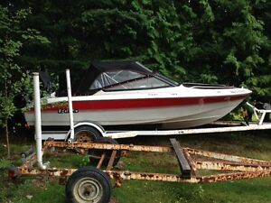 Legend 15' Sprint bowrider 90 hp merc