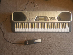 Electronic Keyboard - Great Condition - Sustain Pedal Included