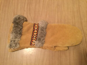FURTHER REDUCED! Vintage women's leather mitts Regina Regina Area image 2