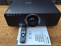 Panasonic DZ6700 Projector