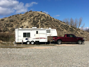 26' Topaz LE 5th wheel trailer