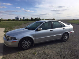 2004 Volvo S40 Silver with grey leather interior Sedan