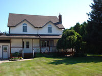 REDUCED!!!!!!!!!!!!!!Country Home 5 minutes from Wallaceburg