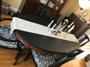 Beautiful a Dining Table and Chairs