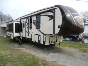 38' 5th wheel SIERRA BY FOREST RIVER   LIKE NEW