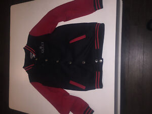 Gucci vest red and black 75$