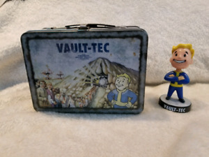 Fallout 3 Collector's Edition Tin Lunch Box & Bobble Head