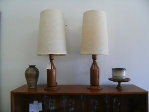 MID CENTURY FLOOR & TABLE LAMPS