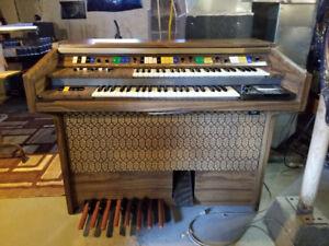 Kawai E235k Organ