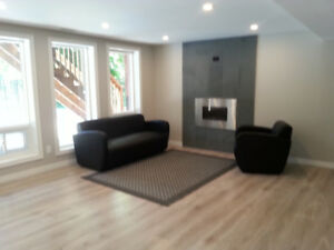 2 HOMES in 1- Renovated Ranch Bungalow in Whitby - 6 bed 4 bath