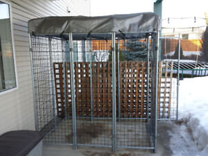 Wire Kennel With Tarp Roof