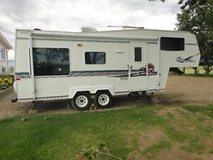 2000 Travelaire 24' Fifth Wheel Hardwall - Reduced