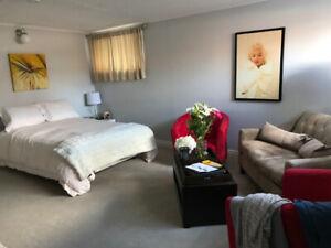 Bright and Spacious Etobicoke Lakeshore Basement Apartment