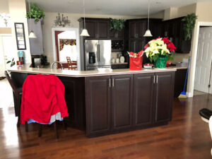 Kitchen Cabinets Cherry Wood Excellent Condition