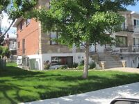 Superbe Tri-plex, St-Leonard, 42 X 43, Jumelé/Semi-detached