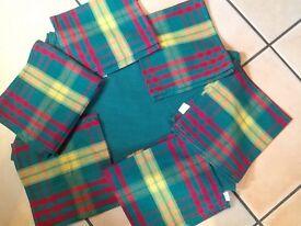 Habitat green rectangle table cloth & 6 checked napkins