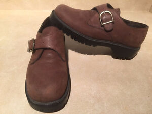 Women's Bass Leather Buckle Shoes Size 8